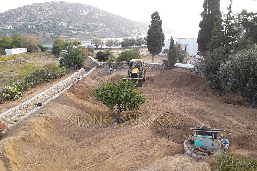 Земля в Греции: просеиваем
