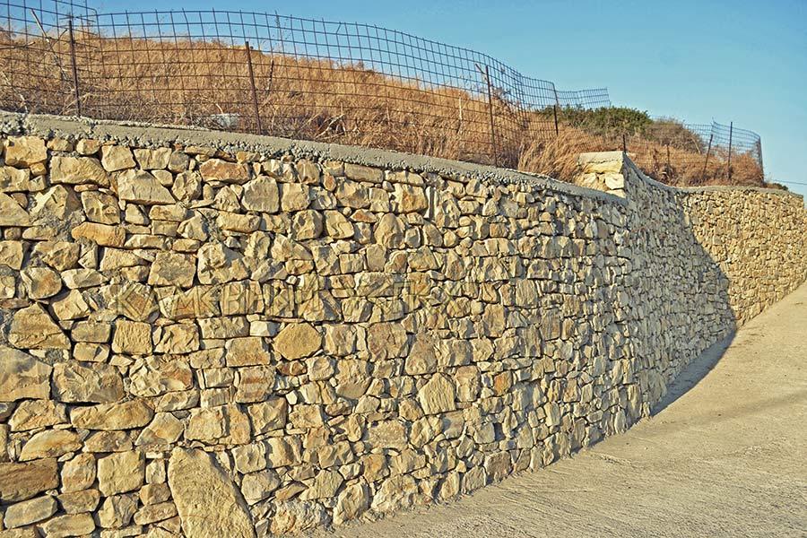 дорогая каменная стена
