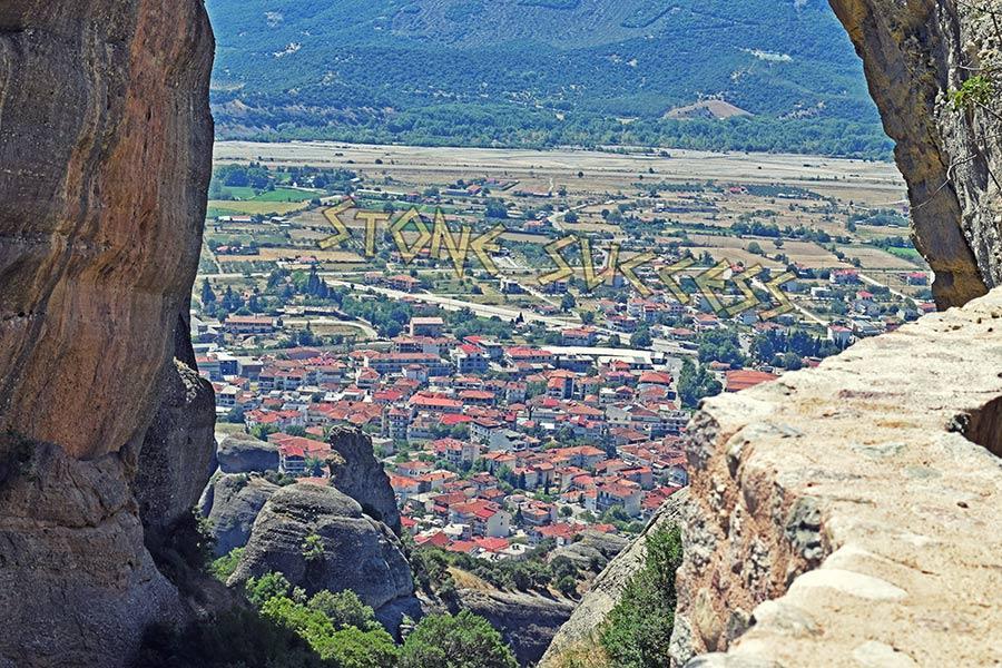 Метеоры Греция город под горами