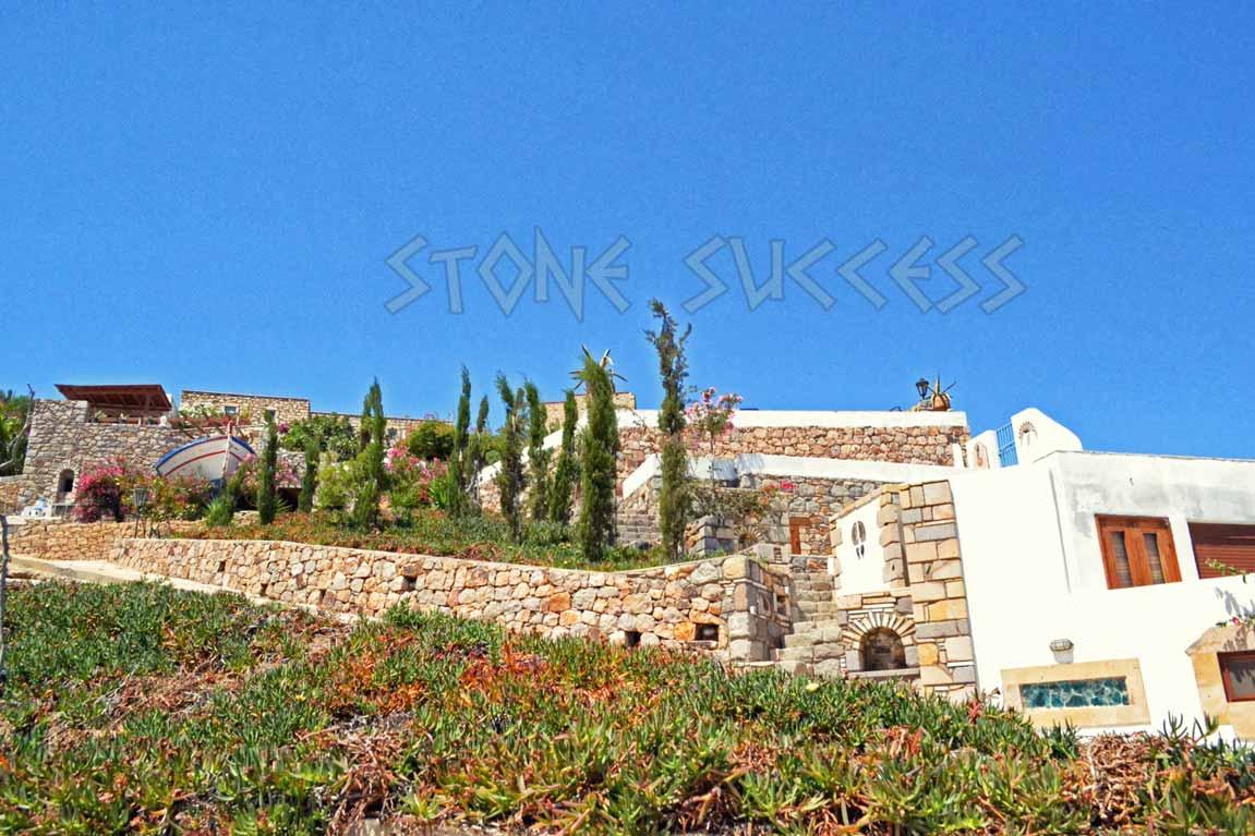 оригинальный каменный дом
