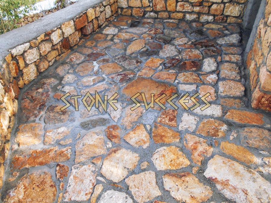 ровная поверхность каменной кладки