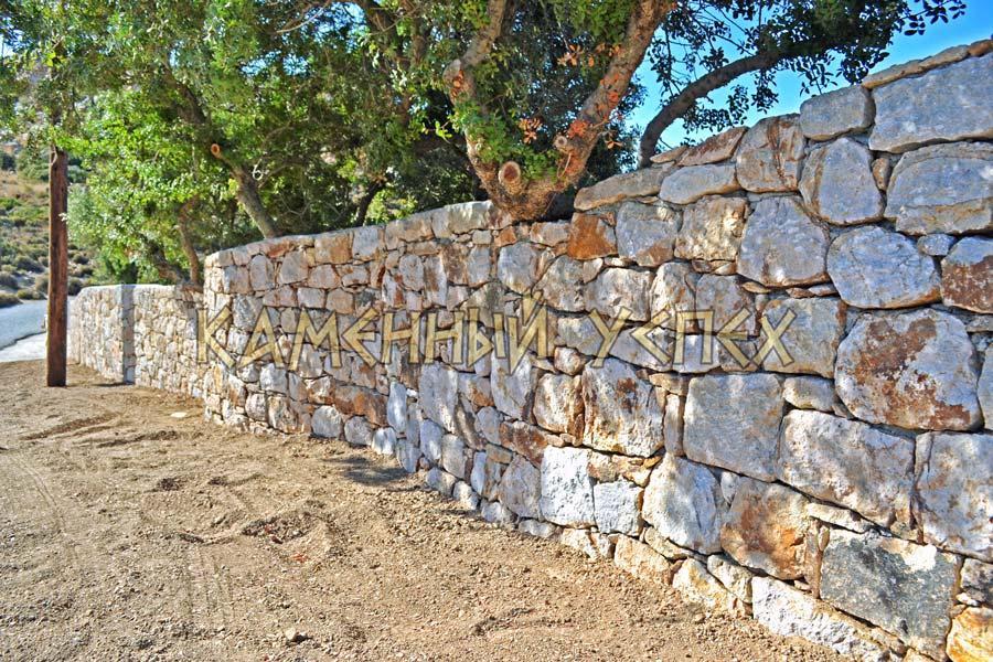стена из камня ландшафтный дизайн
