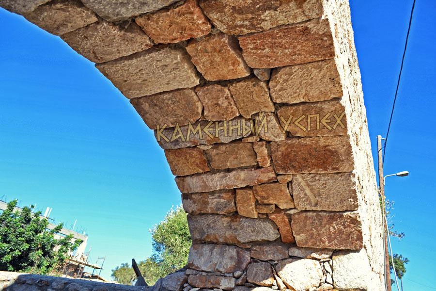 свода арки из камня